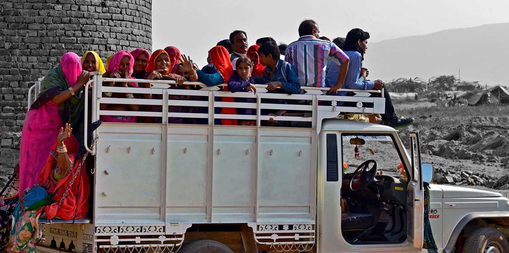<strong>Pushkar Fair</strong> - Leaving the Fair