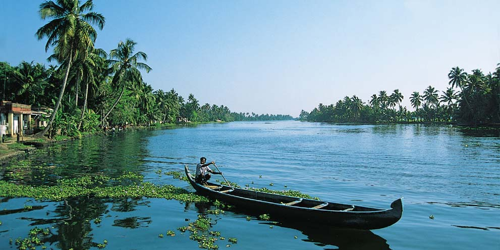 <strong>Backwater, Kerala </strong> - The Kerala backwaters are a chain of brackish lagoons and lakes lying parallel to the Arabian Sea coast (known as the Malabar Coast) of Kerala state in southern India.