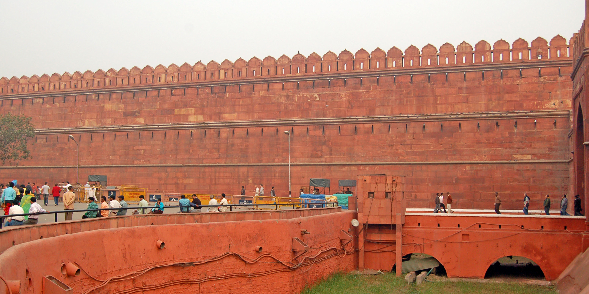 <strong>Red Fort - 3, Delhi</strong> -