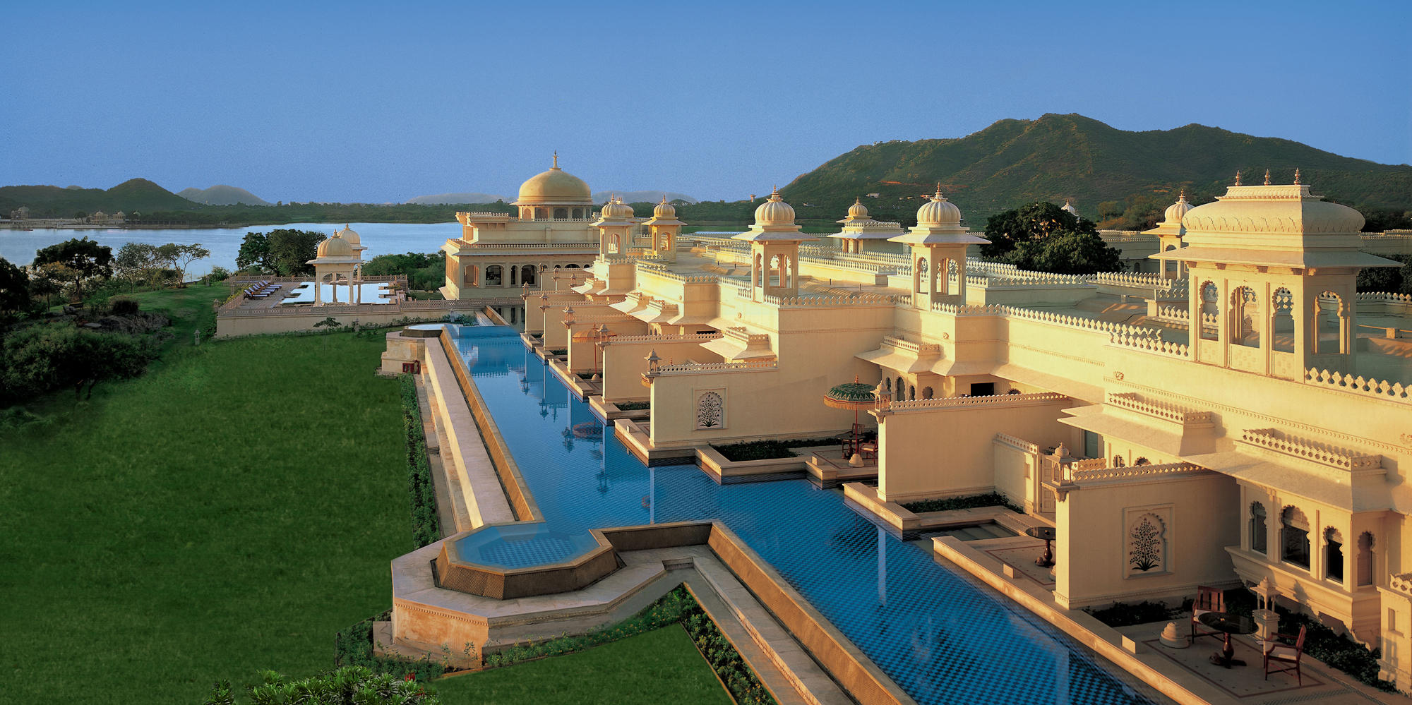 <strong>The Oberoi Udaivilas Udaipur</strong> -