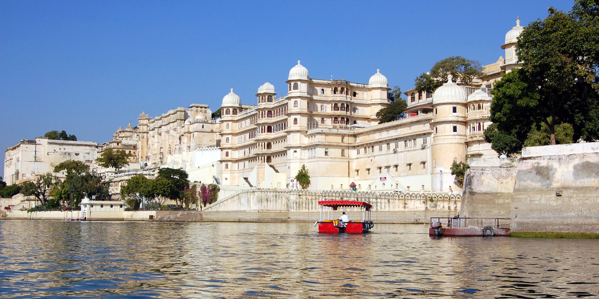 <strong>City Palace, Udaipur</strong> -  Udaipur