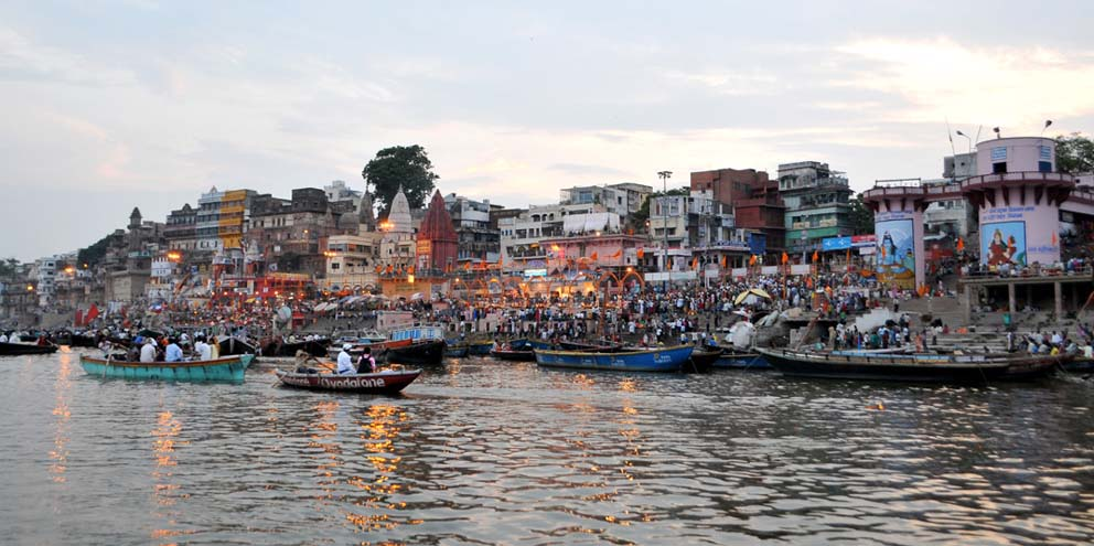<strong>Varanasi</strong> - The crowd grows during sunset at one of the more than 80 ghats on the river Ganges here. The Dashashwamedh Ghat is the main and probably oldest ghat located on the Ganges here.