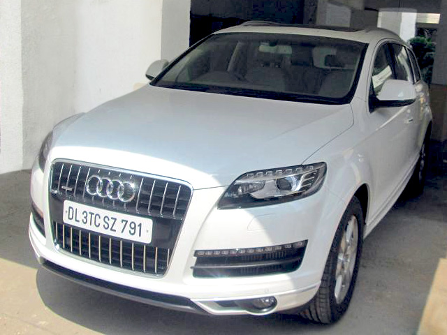 Ultra Luxury Vehicle - Audi Q7