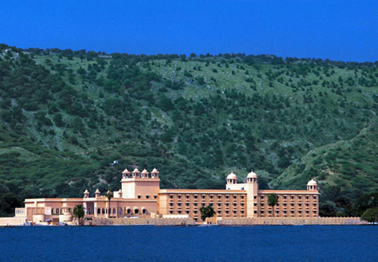 Exceptional luxury values india vacations for Exceptional hotels